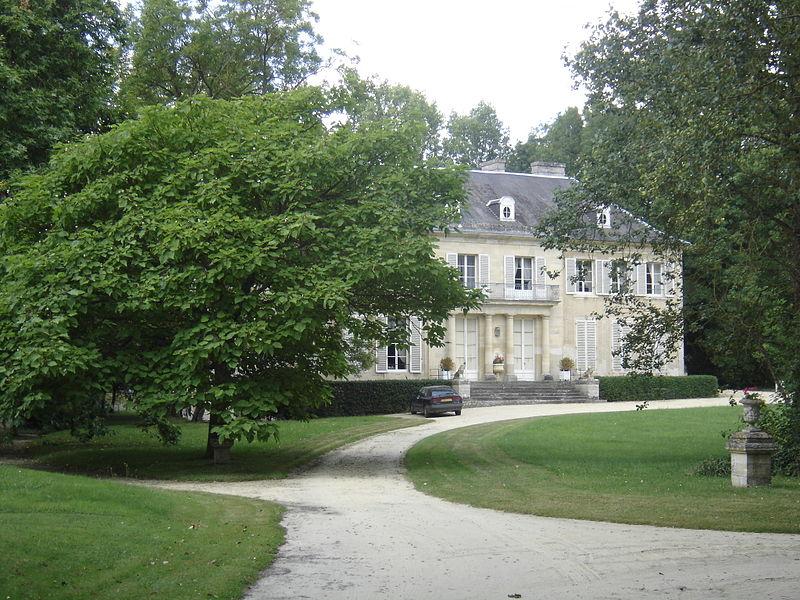 Photo du Monument Historique Château situé à Fresne-Camilly (Le)