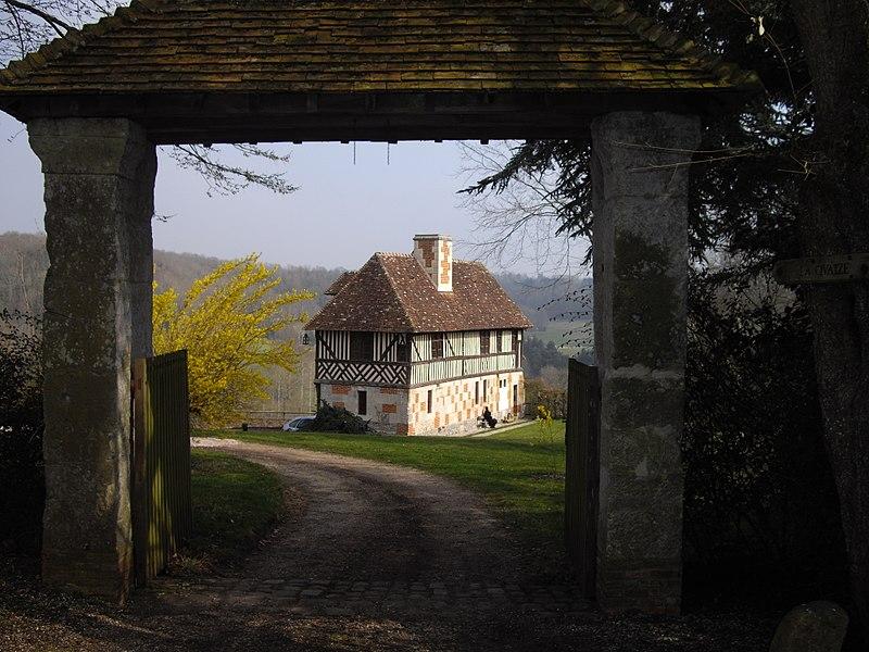 Photo du Monument Historique Manoir de la Quaize situé à Glos