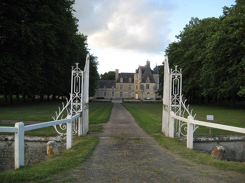 Photo du Monument Historique Château situé à Lion-sur-Mer