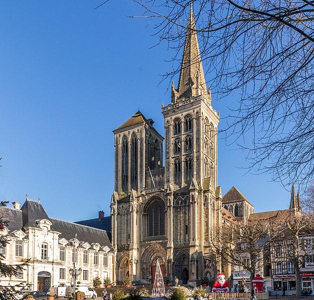 Photo du Monument Historique Eglise Saint-Pierre, ancienne cathédrale situé à Lisieux