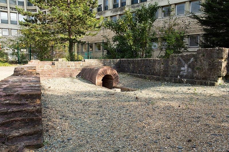 Photo du Monument Historique Ensemble des vestiges gallo-romains du Centre hospitalier situé à Lisieux