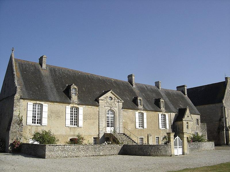 Photo du Monument Historique Ancienne abbaye Sainte-Marie situé à Longues-sur-Mer