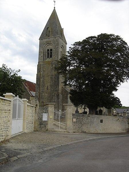 Photo du Monument Historique Eglise situé à Le Manoir