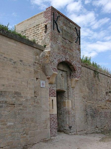 Photo du Monument Historique Ancienne redoute situé à Merville-Franceville-Plage