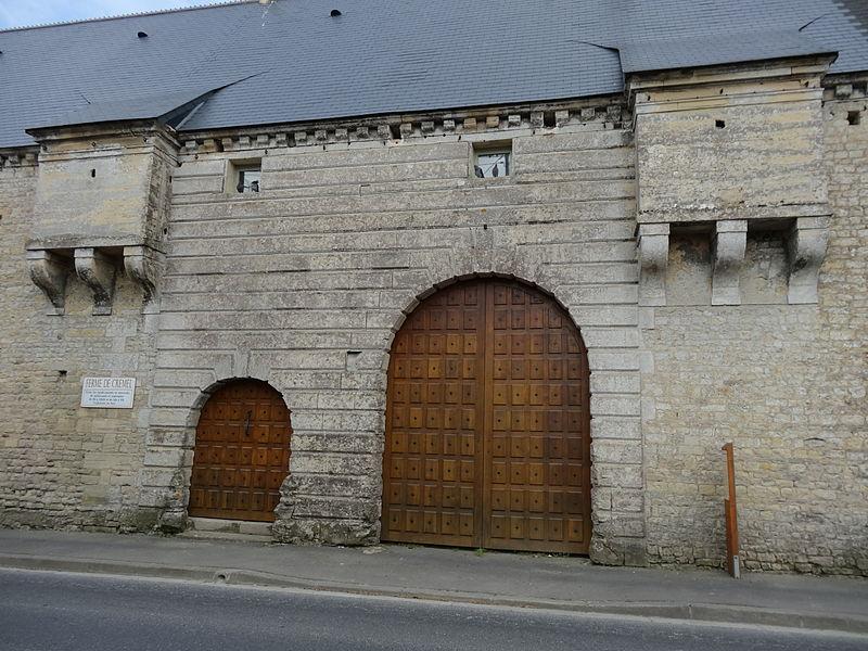 Photo du Monument Historique Château de Crémel situé à Monceaux-en-Bessin