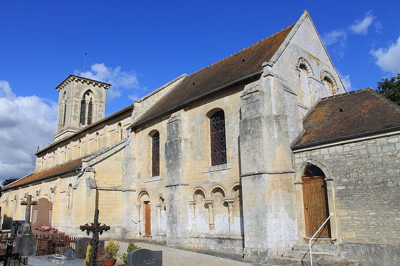 Photo du Monument Historique Eglise situé à Moult