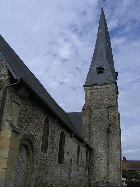 Photo du Monument Historique Eglise situé à Moyaux