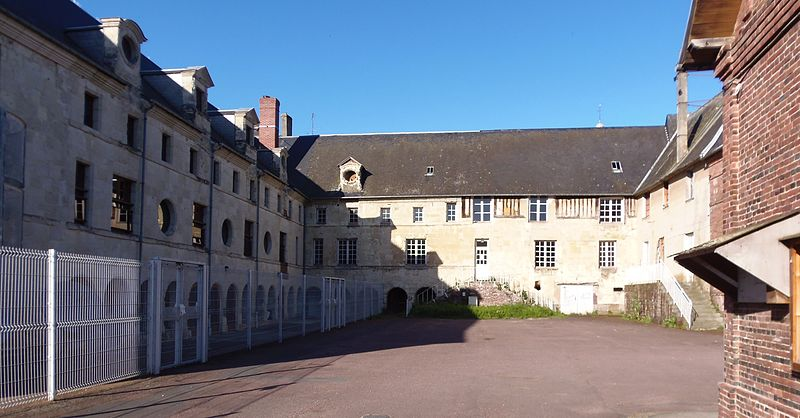 Photo du Monument Historique Ancien couvent des Augustines, école de musique situé à Orbec