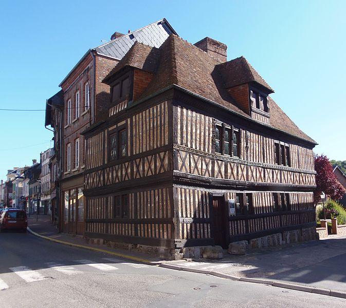 Photo du Monument Historique Maison en pans de bois dite Vieux Manoir situé à Orbec
