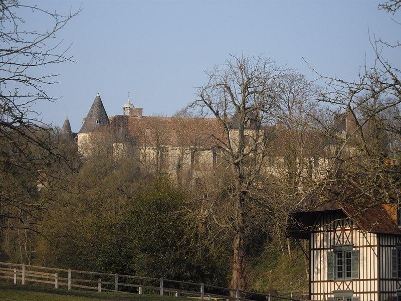 Photo du Monument Historique Château situé à Ouilly-du-Houley