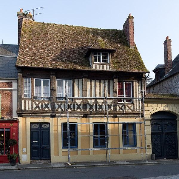 Photo du Monument Historique Maison à pans de bois situé à Pont-l'Evêque