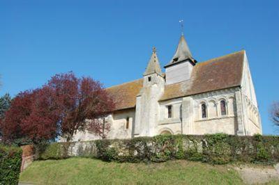 Photo du Monument Historique Eglise situé à Putot-en-Auge
