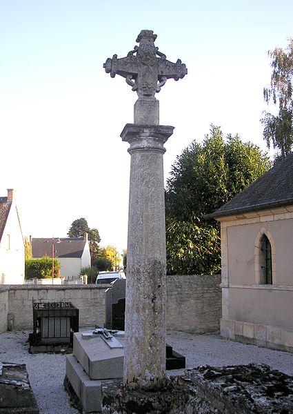 Photo du Monument Historique Croix situé à Putot-en-Bessin