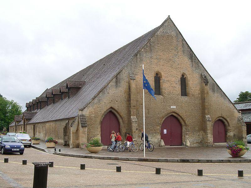 Photo du Monument Historique Halles situé à Saint-Pierre-sur-Dives