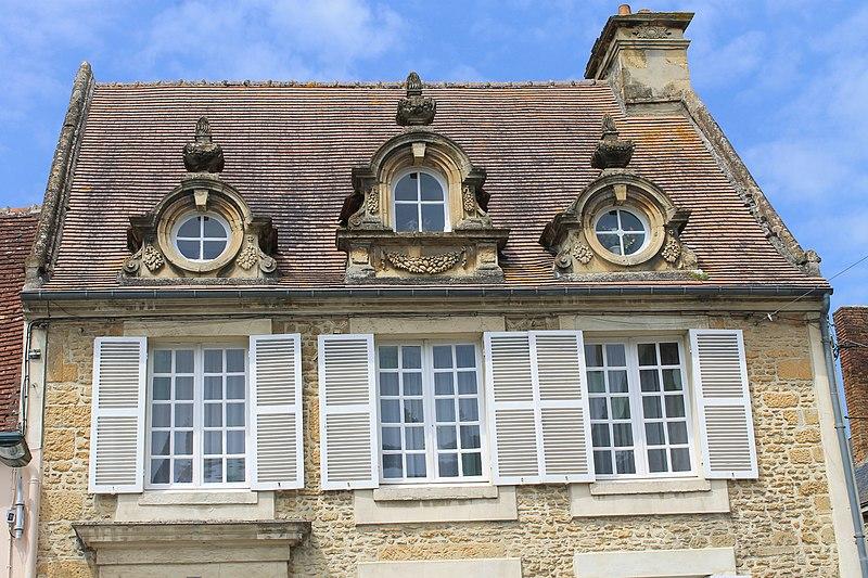 Photo du Monument Historique Maison du 18e siècle situé à Saint-Pierre-sur-Dives