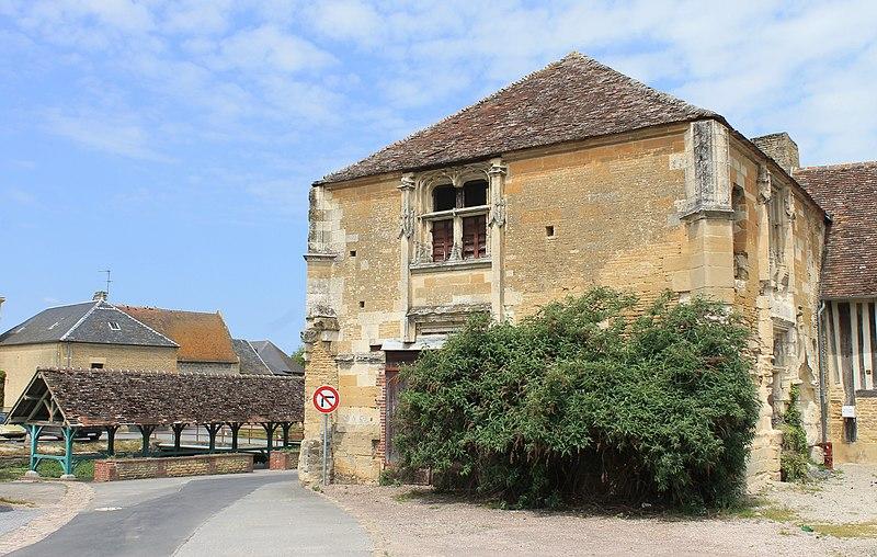 Photo du Monument Historique Manoir dit Cour d'Elu situé à Saint-Pierre-sur-Dives