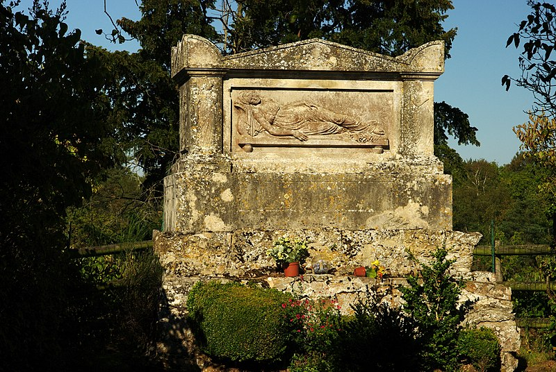 Photo du Monument Historique Tombeau de Marie Joly et son enclos situé à Soumont-Saint-Quentin