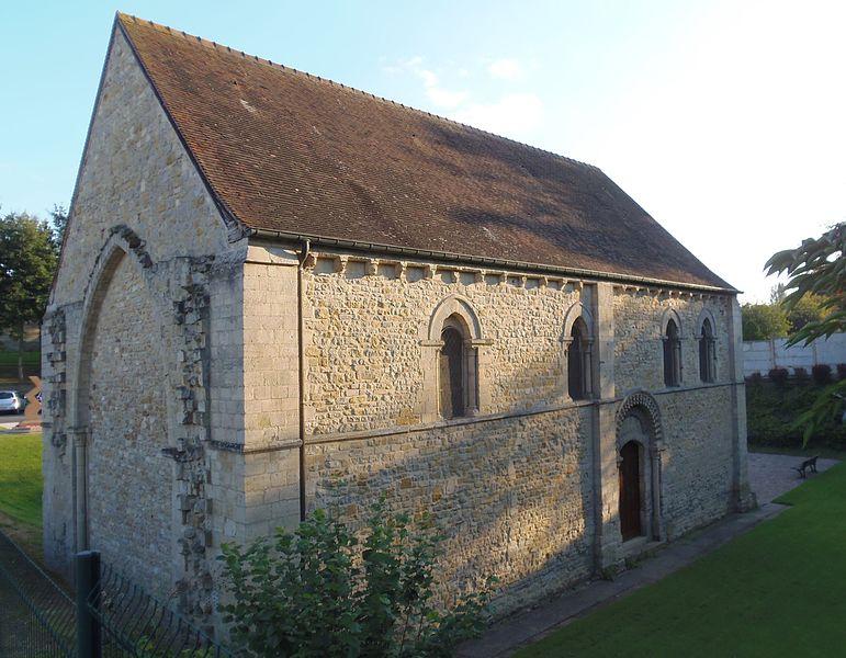 Photo du Monument Historique Restes de la chapelle Notre-Dame-du-Val situé à Tilly-sur-Seulles