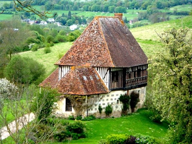Photo du Monument Historique Ancien manoir situé à Tordouet
