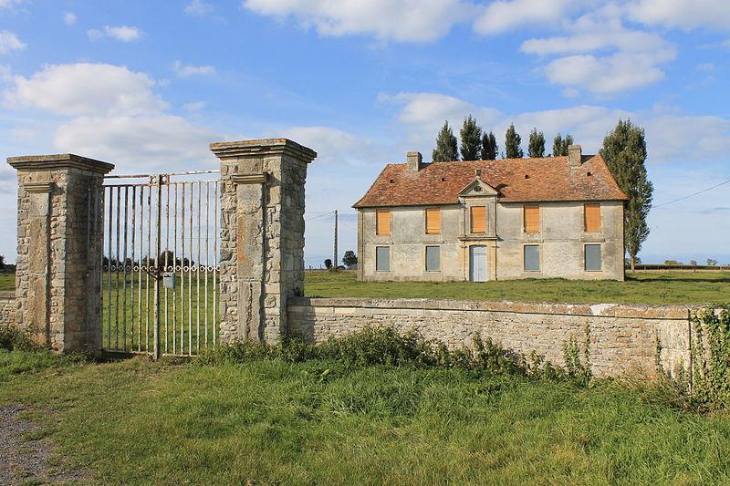 Photo du Monument Historique Manoir dit Cour de la Maison situé à Varaville