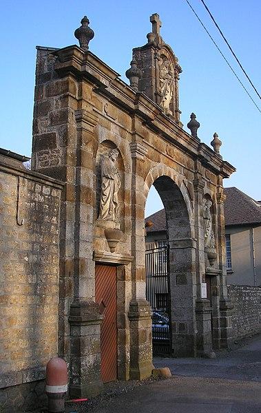 Photo du Monument Historique Couvent de Blon situé à Vaudry