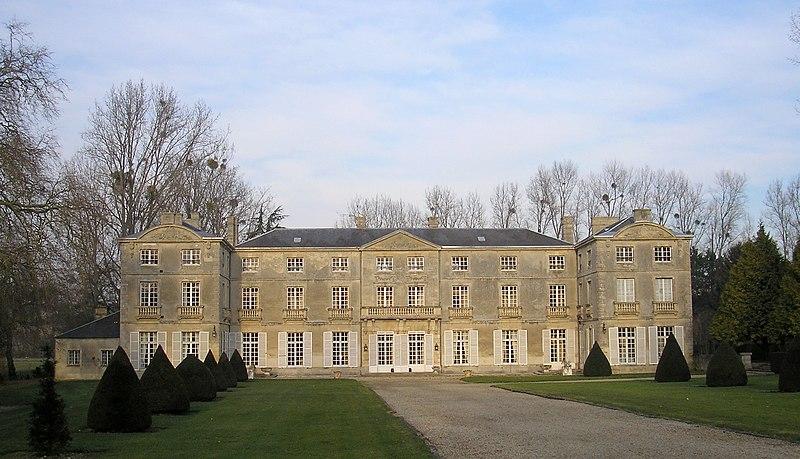 Photo du Monument Historique Château de Vaussieux situé à Vaux-sur-Seulles
