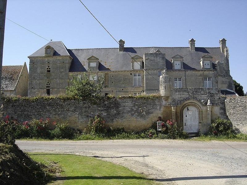Photo du Monument Historique Ancien château situé à Vienne-en-Bessin