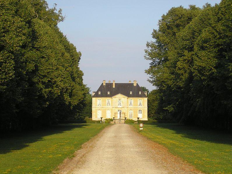 Photo du Monument Historique Château du Mesnil-d'O situé à Vieux-Fumé