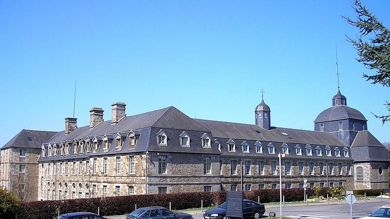 Photo du Monument Historique Ancien couvent des Ursulines situé à Vire