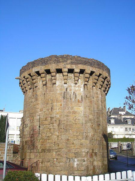 Photo du Monument Historique Tour aux Raines situé à Vire