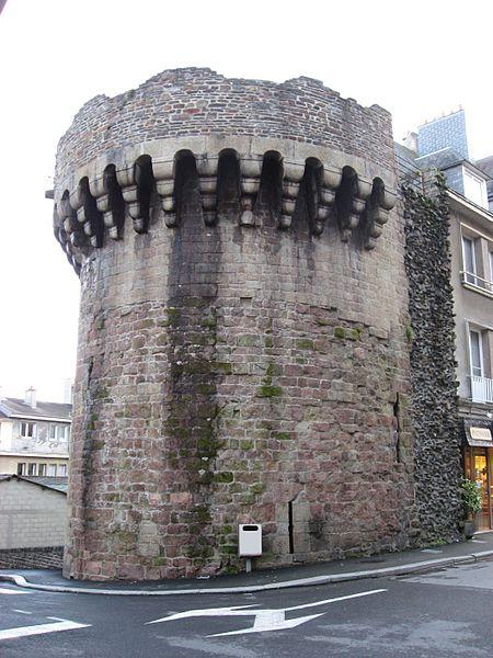 Photo du Monument Historique Tour Saint-Sauveur situé à Vire