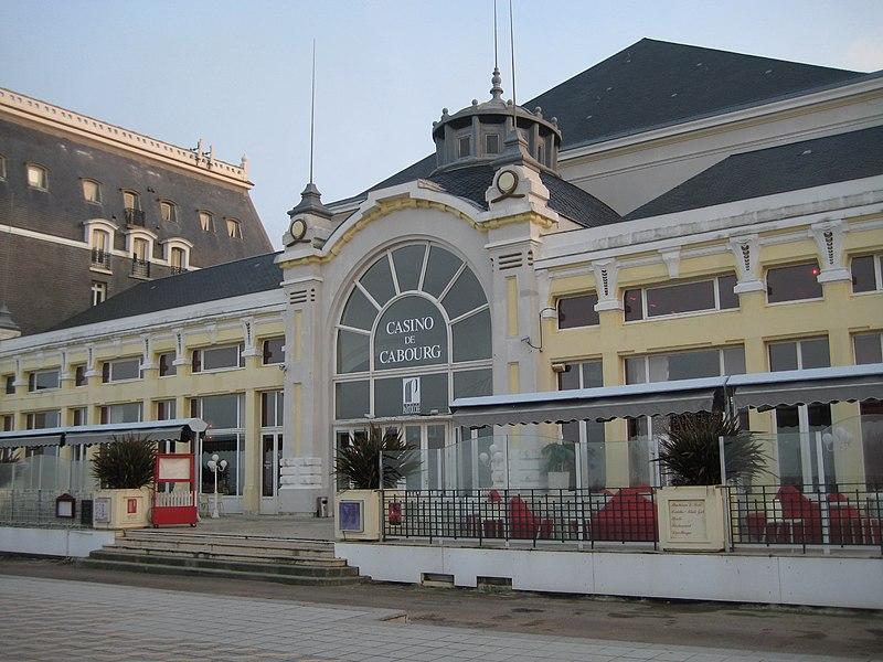 Photo du Monument Historique Casino situé à Cabourg