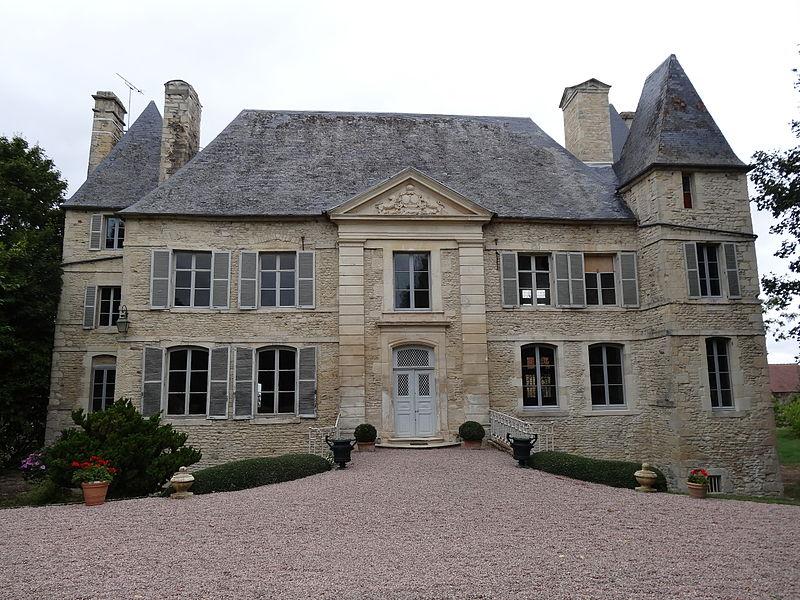 Photo du Monument Historique Château situé à Olendon