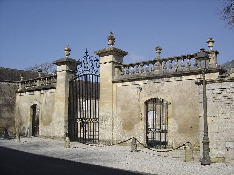 Photo du Monument Historique Château de Bény-sur-Mer situé à Bény-sur-Mer