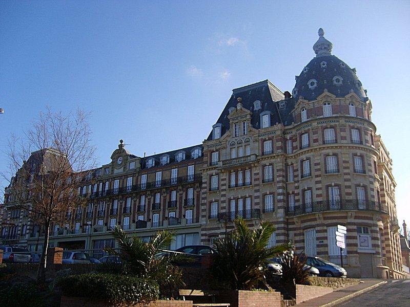 Photo du Monument Historique Ancien Grand Hôtel situé à Houlgate
