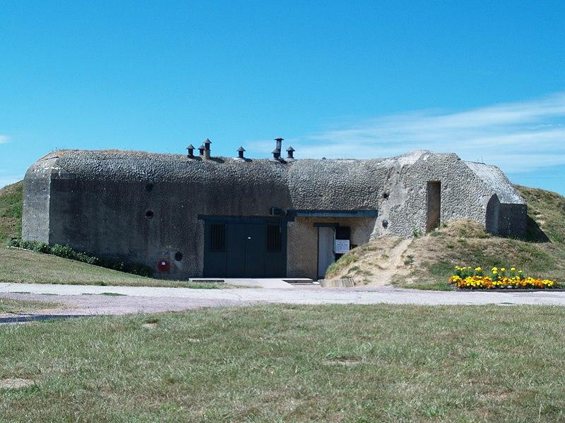 Photo du Monument Historique Batterie d'artillerie de Merville situé à Merville-Franceville-Plage