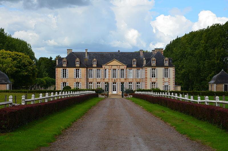 Photo du Monument Historique Château de Castilly situé à Castilly