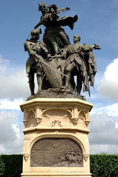 Photo du Monument Historique Groupe sculpté de la bataille de Formigny situé à Formigny