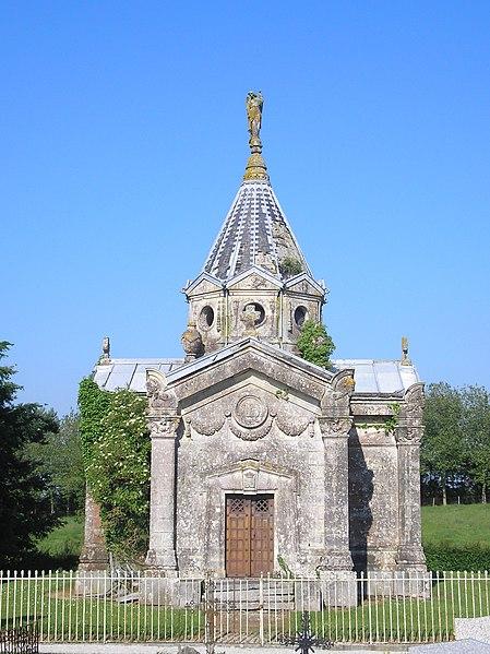 Photo du Monument Historique Chapelle funéraire situé à Dampierre