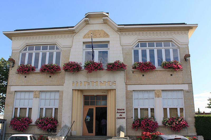 Photo du Monument Historique Groupe scolaire Jean-Jaurès et mairie annexe de Canon situé à Mézidon-Canon