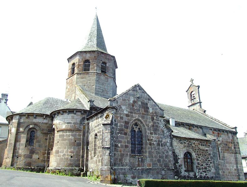 Photo du Monument Historique Eglise Saint-Thyrse situé à Anglards-de-Salers