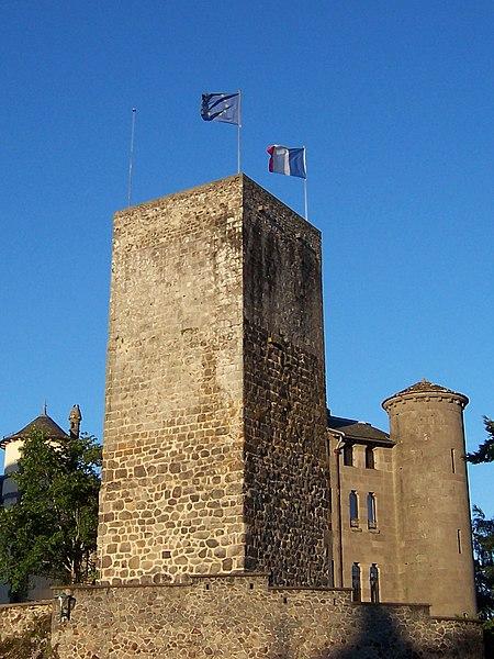 Photo du Monument Historique Ancien château fort Saint-Etienne situé à Aurillac