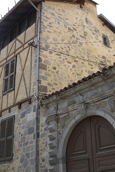 Photo du Monument Historique Immeuble de Surrel situé à Aurillac