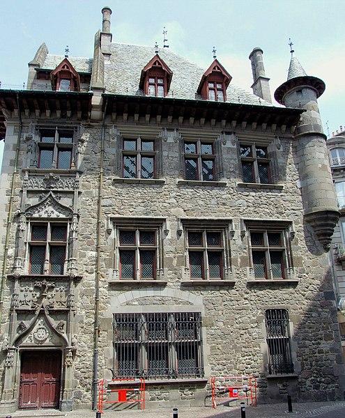 Photo du Monument Historique Maison consulaire situé à Aurillac