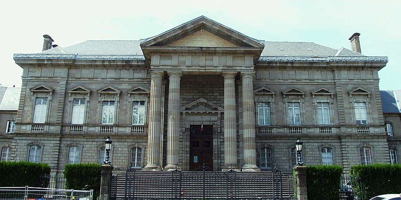 Photo du Monument Historique Palais de Justice situé à Aurillac