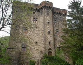 Photo du Monument Historique Donjon de la Boyle situé à Brezons