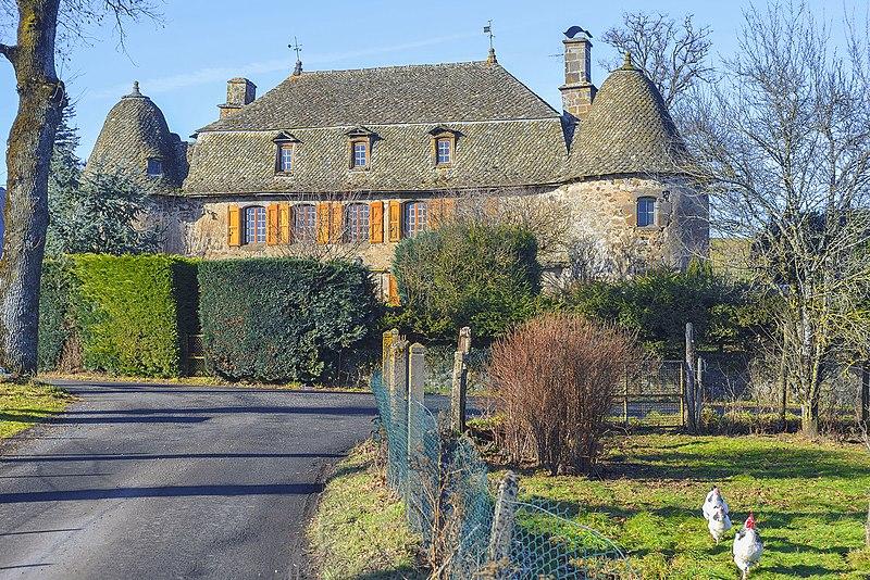 Photo du Monument Historique Manoir de Lachaux situé à Carlat