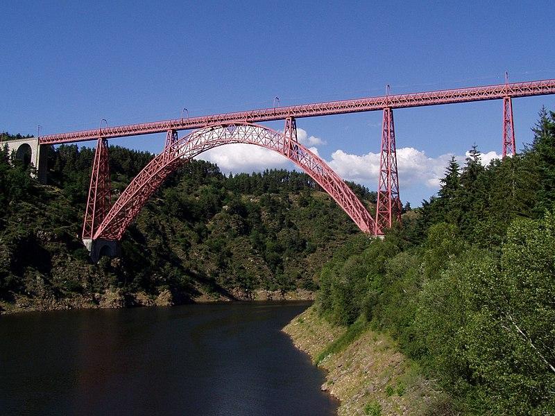 Photo du Monument Historique Viaduc de Garabit (également sur commune de Ruynes-en-Margeride) situé à Loubaresse