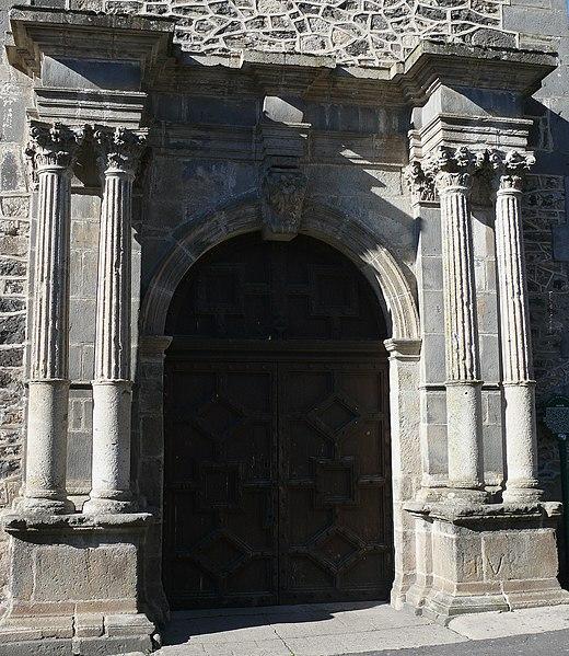 Photo du Monument Historique Collège situé à Mauriac