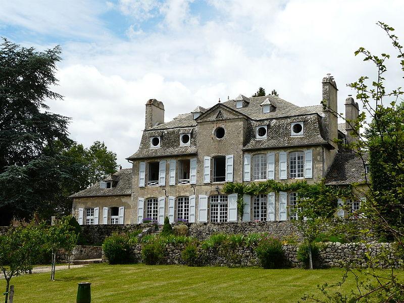Photo du Monument Historique Château de La Plaze situé à Omps